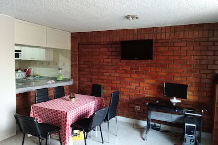 1st floor private apartment, 15 min from downtown