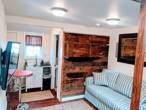 Cozy Studio Apartment center of Historic Carlisle