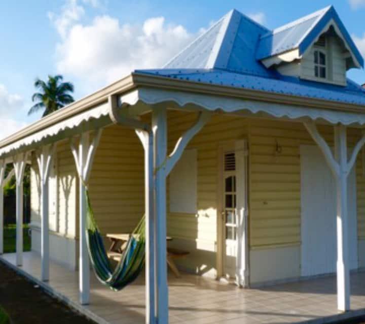 Villa creole à 200m de la plage