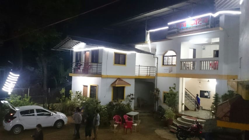 PRIVATE ROOM IN NAGAON - Alibag