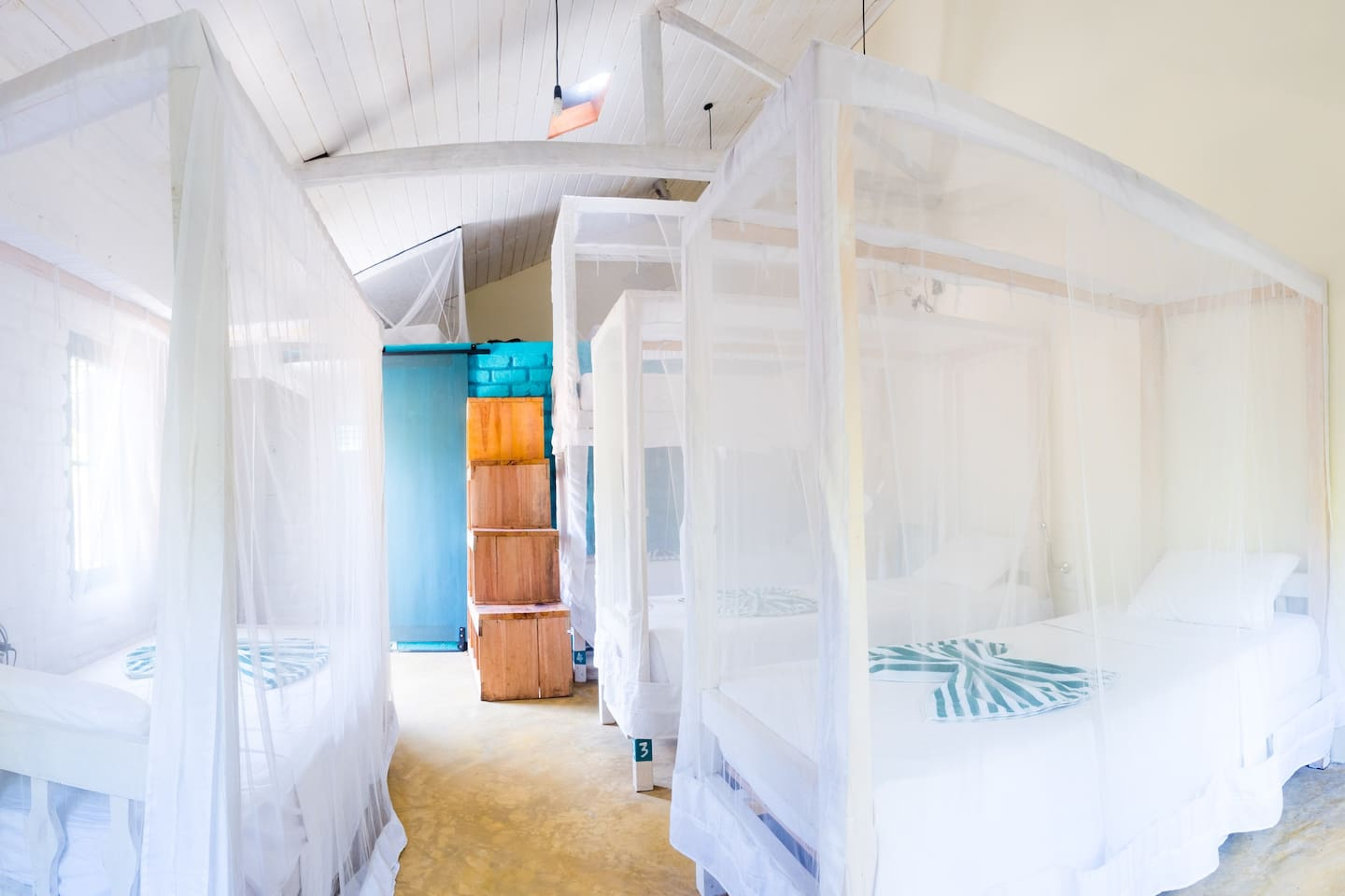DOTS Surf Cafe Hostel Bed 1 - Hostels for Rent in Nilwella, Southern ...