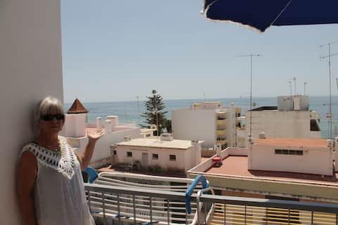 Sun + Beach = T1 Algarve