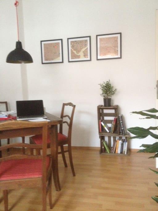 Wohn-/Esszimmer zur Mitbenutzung