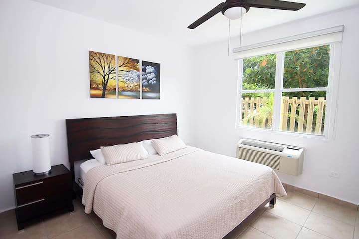 Master Bedroom: King Size Bed