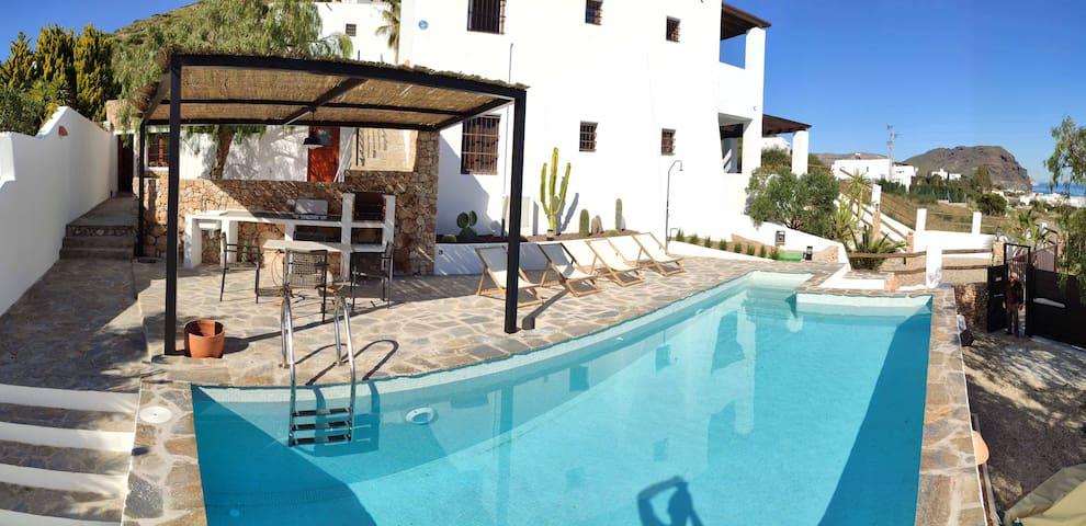 Casa Las Negras , piscina privada y vistas al mar.