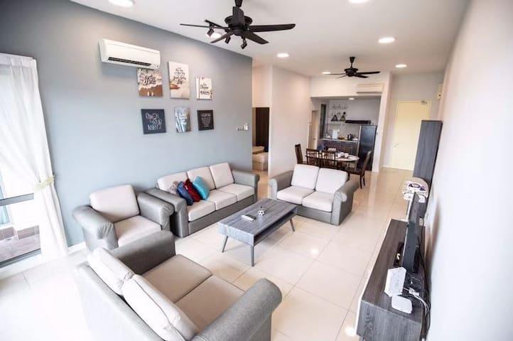 J&M#2{3BR}-9pax@The loft Imago Kota Kinabalu豪华商场公寓