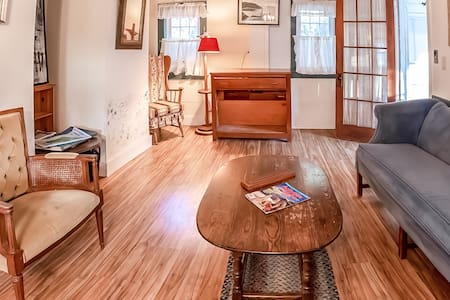 Dog-friendly home w/ sun room and large lawn - close to downtown/beach!