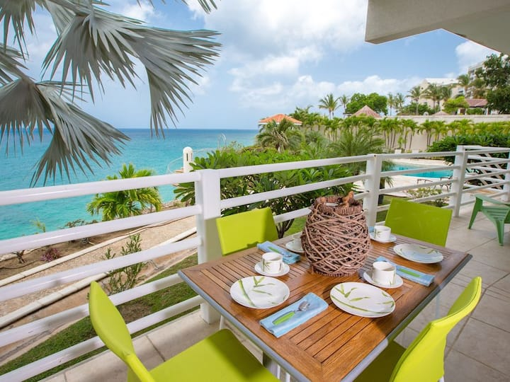 EXCEPTIONAL BEACHFRONT 2BR CONDO IN CUPECOY / PRIVATE BEACH