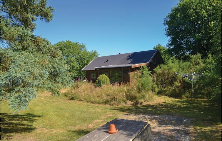 Holiday cottage with 2 bedrooms on 65m² in Kibæk