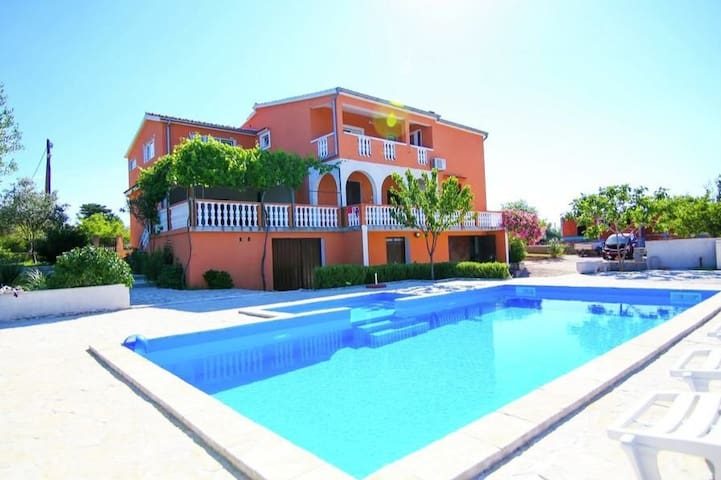 New Apartments Matea with private POOL (14 person)