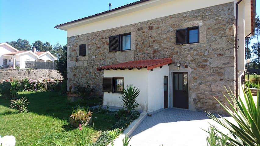 Appartement dans une maison avec jardin - Adaúfe - Apartment