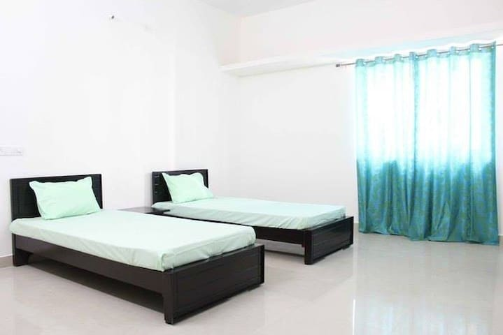 Flurry Stay for 2 - Hyderabad - Apartment