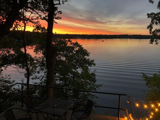 Sunset Ridge on Eagle Lake-lake views everywhere!