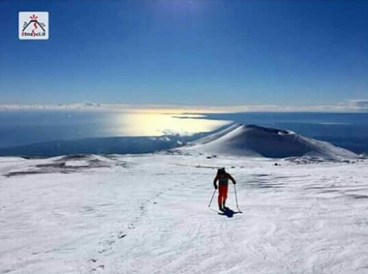 Sciare con vista mare