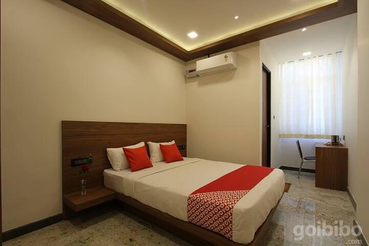 Classic room in OYO 29789 Shrey's Inn