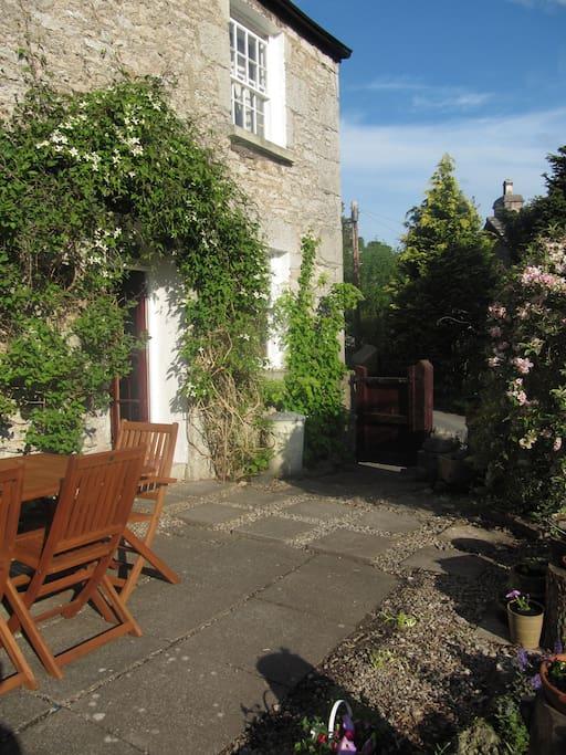 Small Cottage Garden