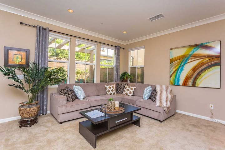 Entire Home! Luxury 3 BR Home/Pool near UCI #6906