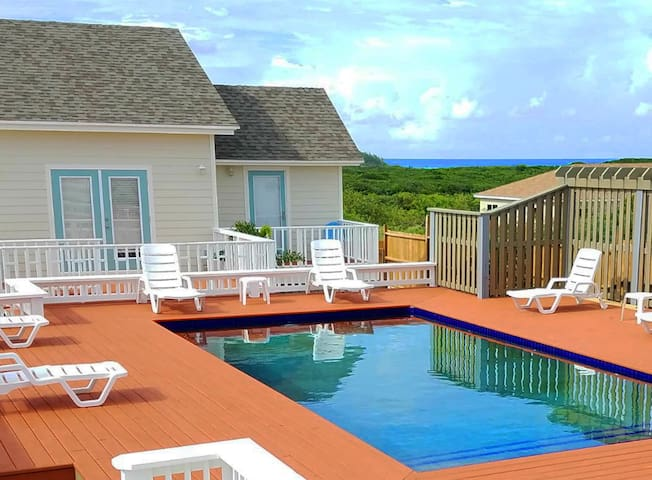 The Landing Villas - with Pool and Hot Tub