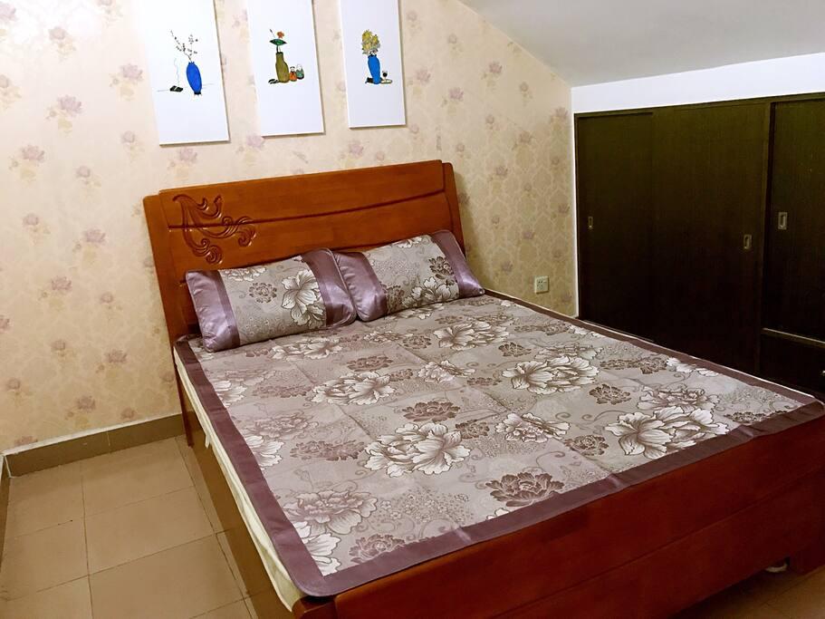 保证一客一换床上用品,干净整洁