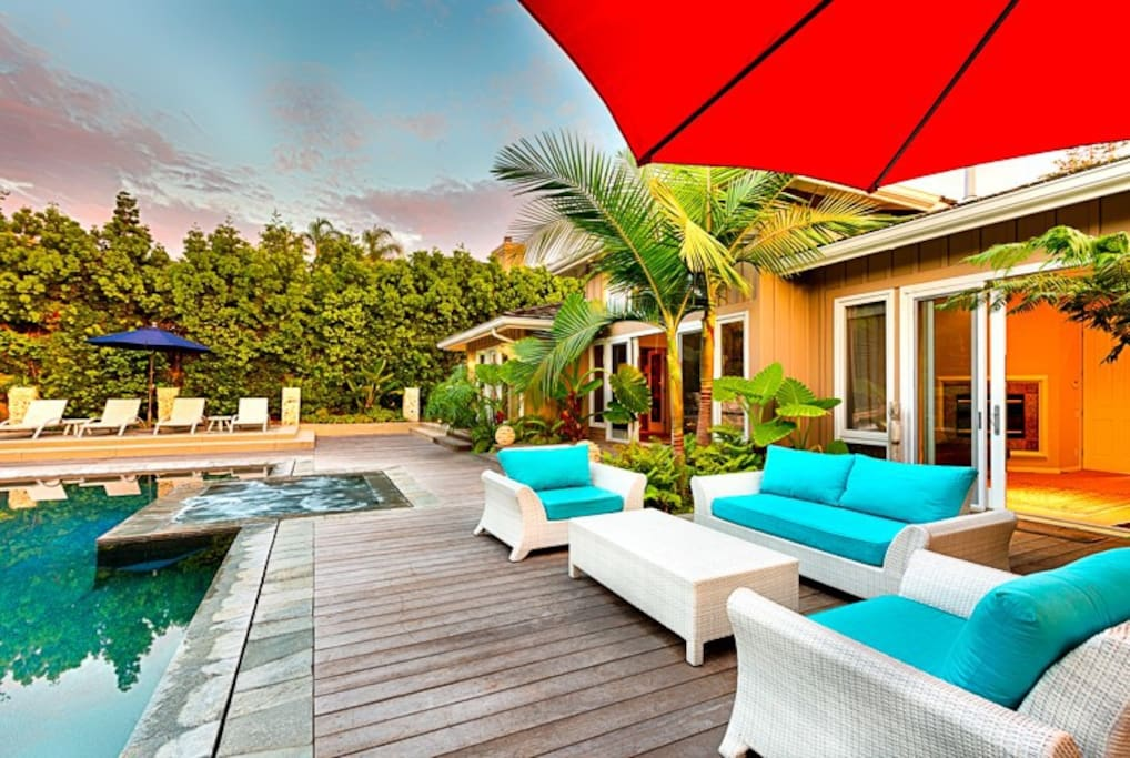 Outdoor Pool and Spa Area Gives the Feeling of a Private Resort.