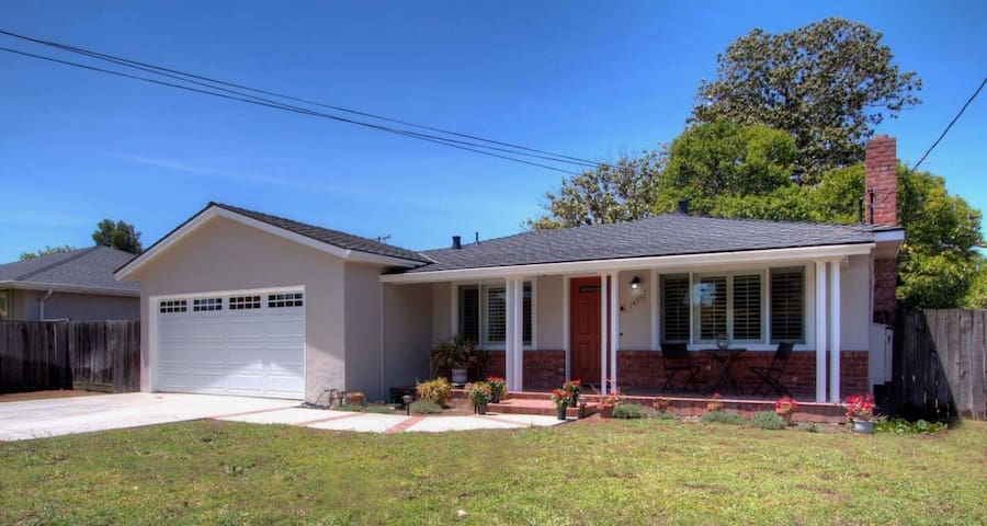 New 2bd/2.5bth! Great weekly+monthly discount