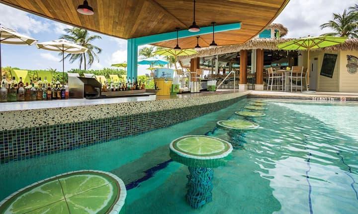 Studio-Mini Kitchen, Full Bath, Balcony, Amenities