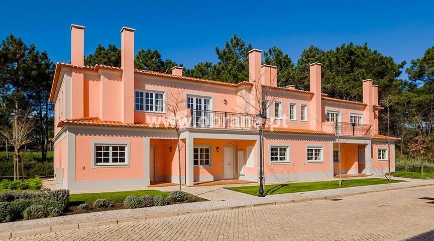 Golf View Townhouse @ Praia del Rey - Amoreira - Dům
