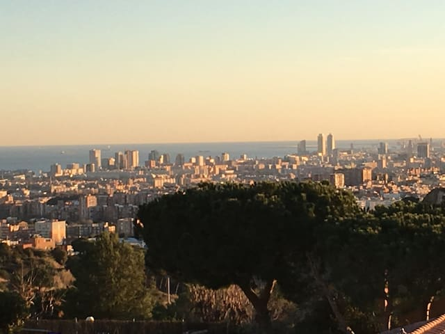 House close to natural park in Barcelona area - Badalona - Ev