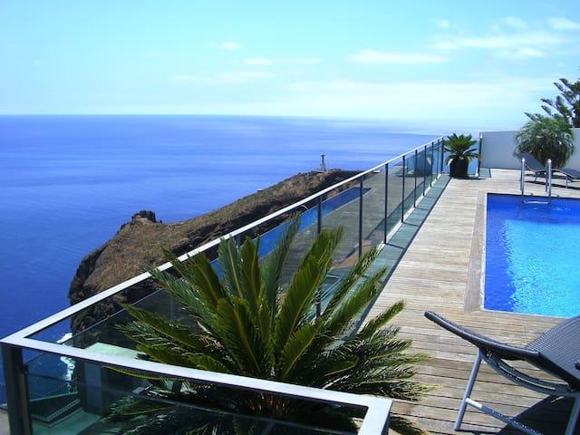 Villa in Garajau - Pearl of the Atlantic