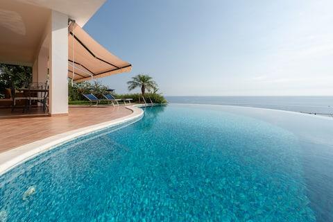 Villa Rosa - Elégante villa avec piscine panoramique
