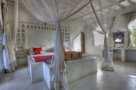 Master Room III - Msambweni