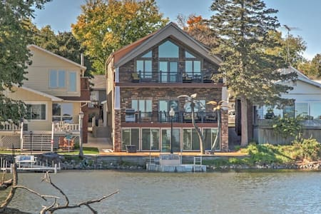 3BR Lake View House w/Waterfront Location! - Lake View