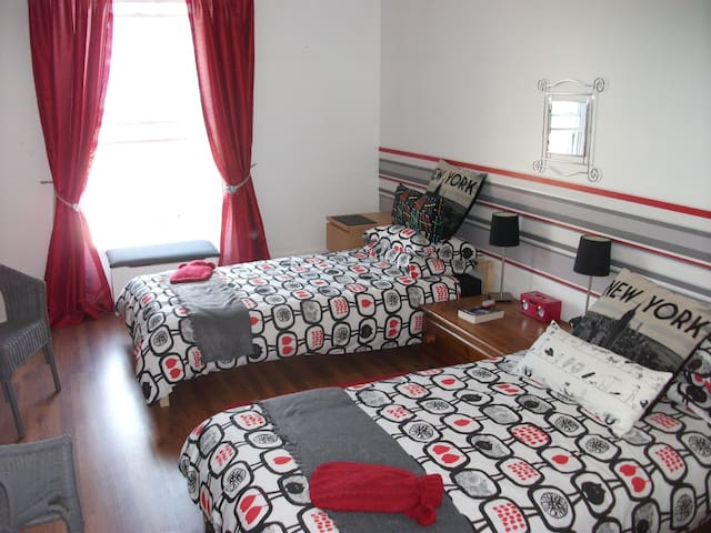 Vals home a sunny bright twin room - Ramsgate - Appartement