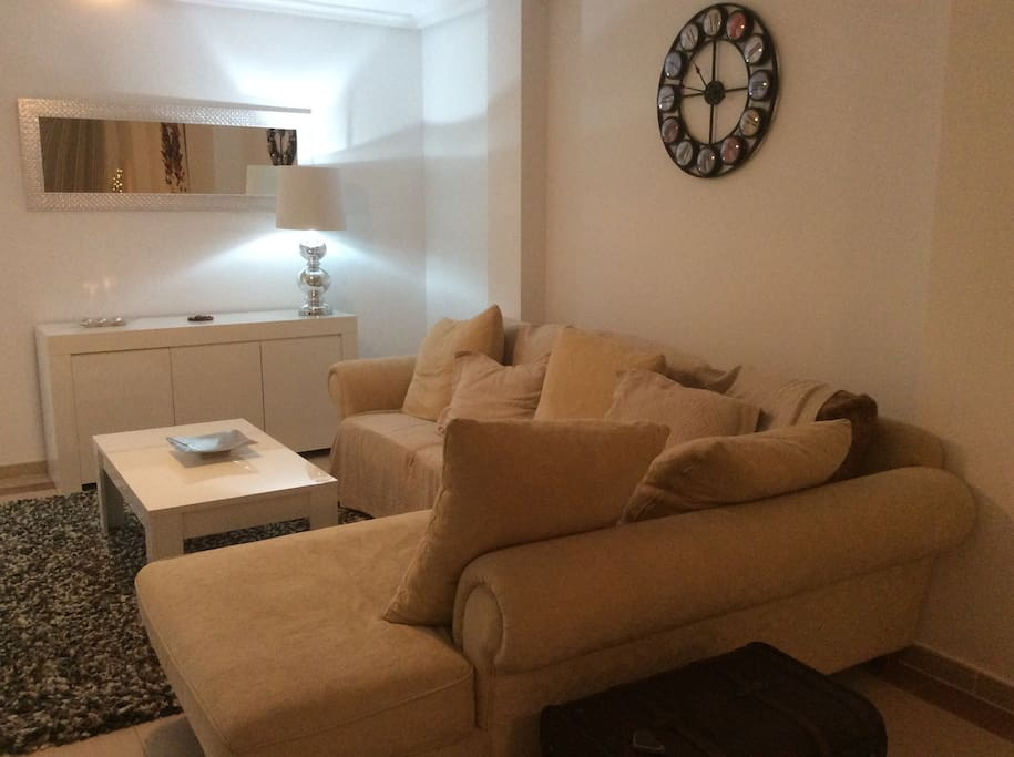 There is ample space on the cosy comfy settee with day bed space. Perfect for watching films with friends and family after a day at the beach, or exploring the trendy boutique designer shops in Marbella or Puerto Banus.