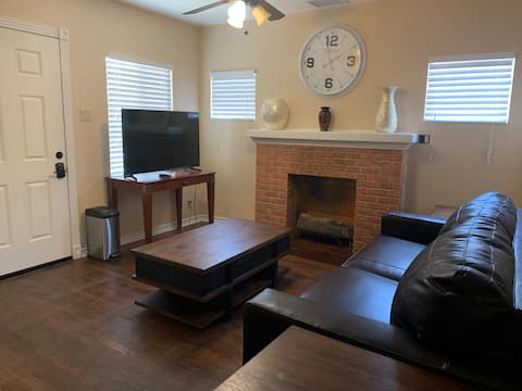 Charming Central Bungalow - 1 Bedroom
