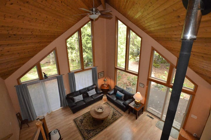 Located on the Sandy River & WIFI - Rhododendron - House