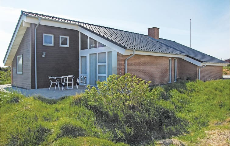 Holiday cottage with 3 bedrooms on 122m² in Vestervig