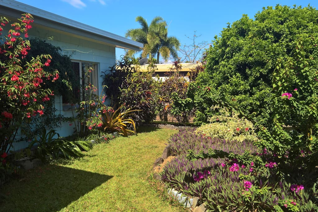 Beautiful well maintained tropical gardens