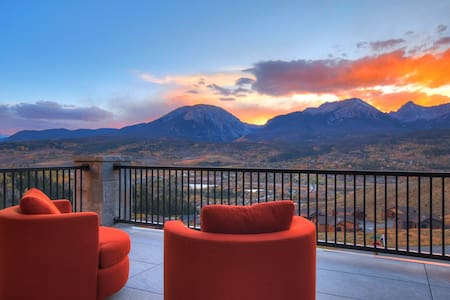 Stunning Modern #1 award winning Mountain Home
