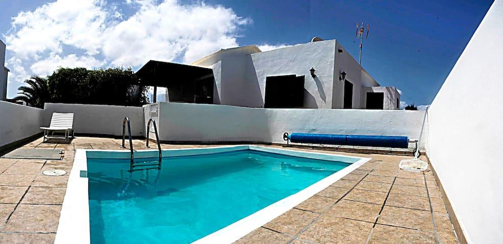 Casa en pueblo nudista en Lanzarote - Charco del Palo - บ้าน