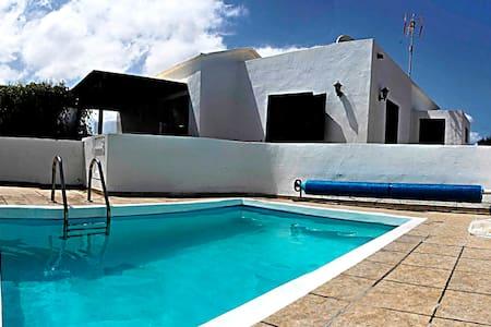 Casa en pueblo nudista en Lanzarote - Charco del Palo
