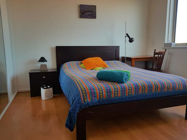 Well located room for 2 in art decor home, Preston