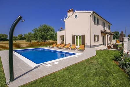 Villa Cicibella with swimming pool and big garden - Villa