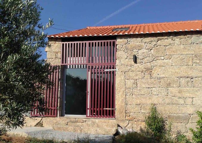 Habitação recuperada de antigo Estábulo - Trancoso