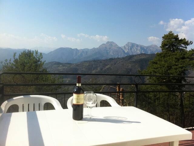Spacious villa with spectacuar views