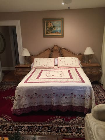The Regency Suite. Close to NYC/EWR/Train/Mall! - Hillside - Σπίτι