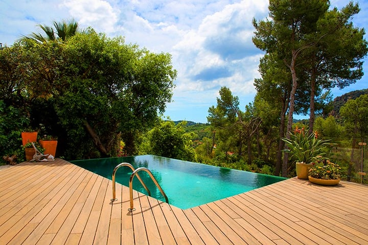 Catalunya Casas: Modern and welcoming villa, 20 min to Barcelona!