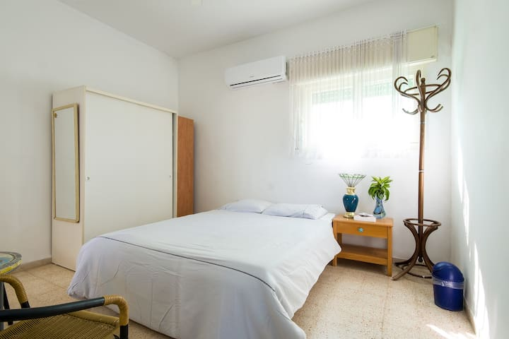 Room near the beach - Nahariyya - Pis