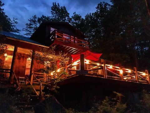 Up-Rustic Cabin in the Woods with Wifi