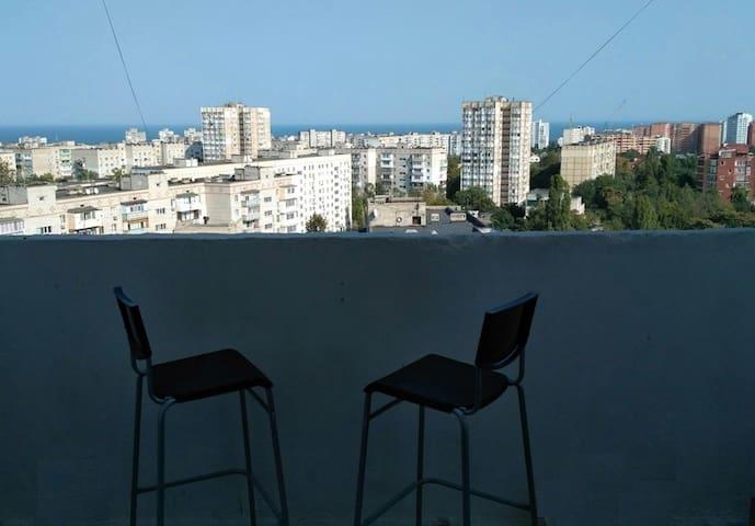 Дизайнерский свежий ремонт, балконы, вид на море
